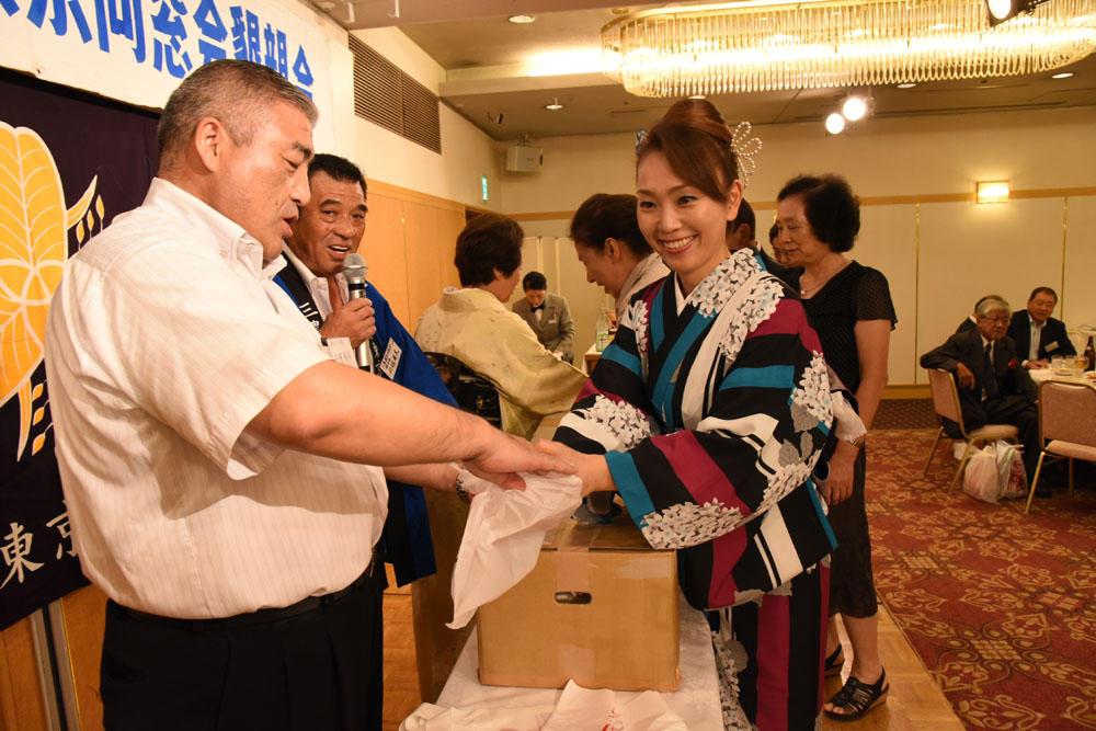 http://www.tokyo-sanno.net/DSC_9644.jpg
